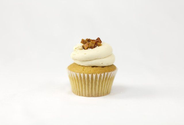 Meet the Stud Muffin from Sift: a Lagunitas cupcake topped with salted caramel frosting and spicy cayenne-dusted bacon bits. #SanFrancisco