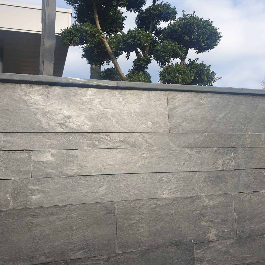 Muro Exterior Gris