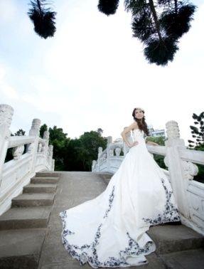 「変身写真」をご存知ですか?その名のとおり、衣装やメイクで普段と違う自分に変身し写真を撮る、それが変身写真です。その道プロにメイクやスタイリングをお願いし写真館で撮影するのは、日本では成人式と結婚式くらいです。でも台湾ではもっと身近なものなんです!日本と比べると値段も安く、素敵な変身写真館が台湾にはたくさんあります。そこで台湾のオススメ変身写真館を5つご紹介します。