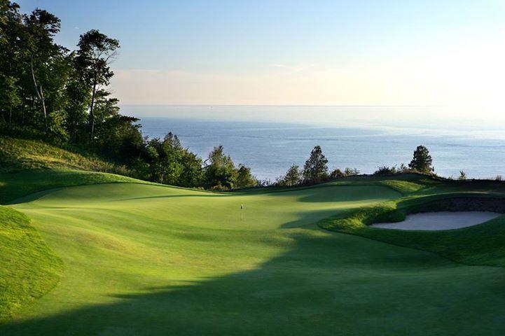 playing golf at Arcadia Bluffs <3