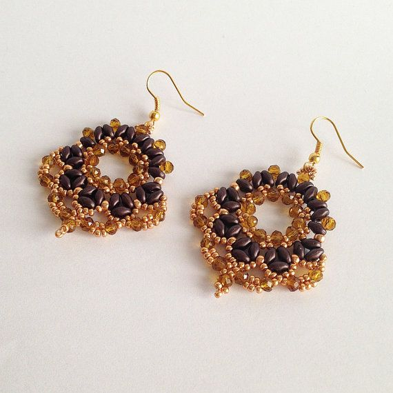 Gold and brown Fan earrings with seed beads by La pietra blu di Avalon