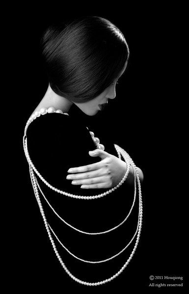 Pose idea with pearls, focus on emotion. But also creative and emphasizes the hair styling (for Olga R's portfolio)