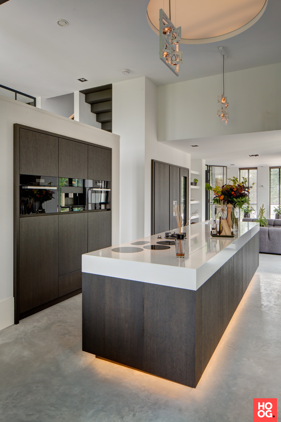 Rmr interieurbouw puur hoog exclusieve woon en tuin inspiratie keukens pinterest - Keuken met kookeiland table ...