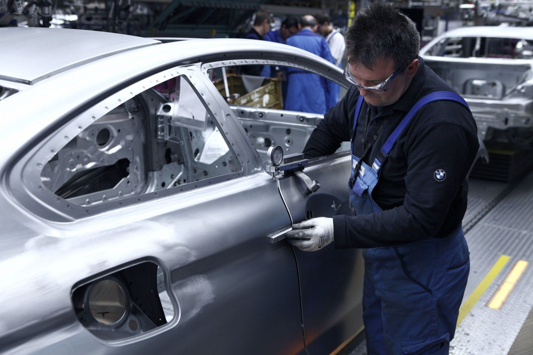 Missing Bosch part slows BMW production - http://www.bmwblog.com/2017/05/29/missing-bosch-part-slows-bmw-production/