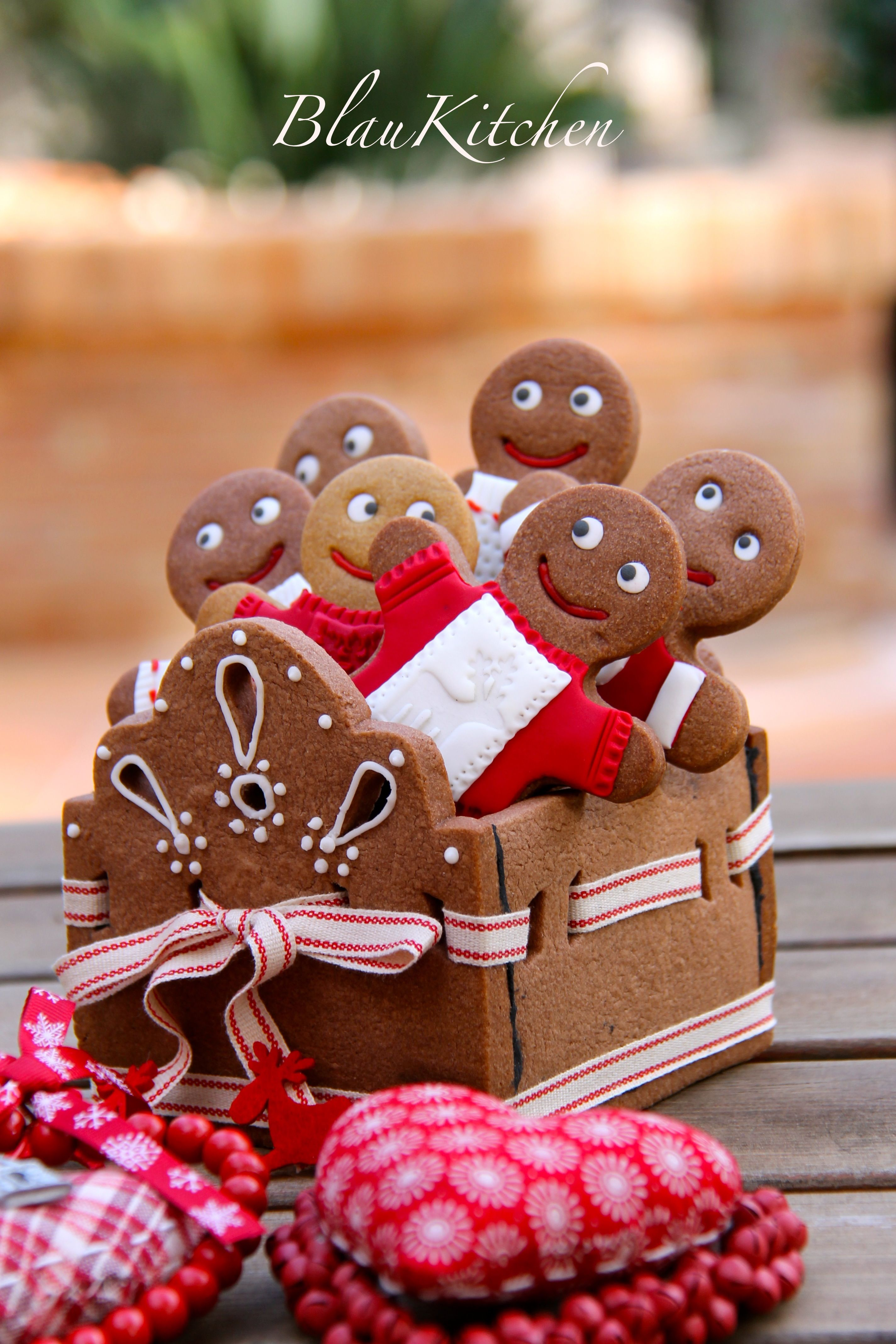 Gingerbread cookie box love this idea I can hardly wait to make
