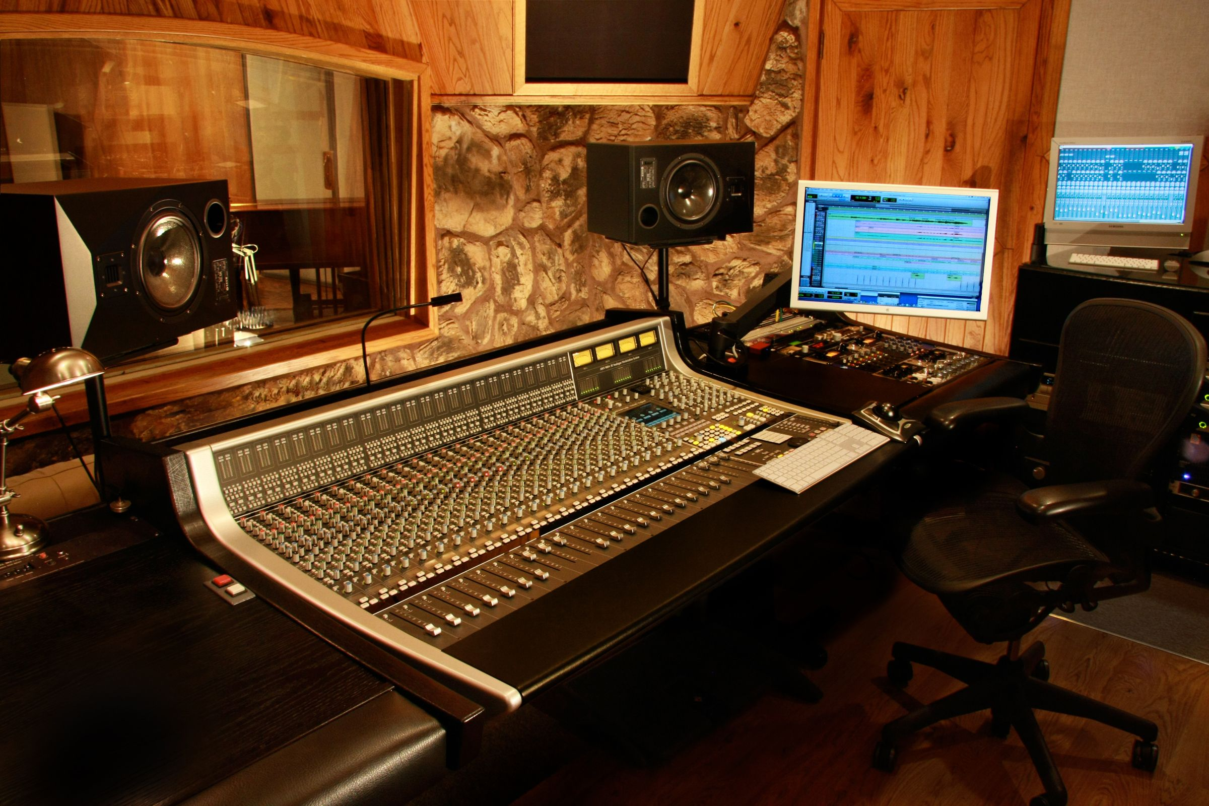 Excellent 17 Best Images About Studios On Pinterest Music Rooms Recording Largest Home Design Picture Inspirations Pitcheantrous