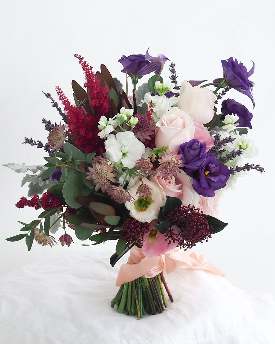 Wedding Flowers in Your 2018 Chinese Zodiac Lucky Colours