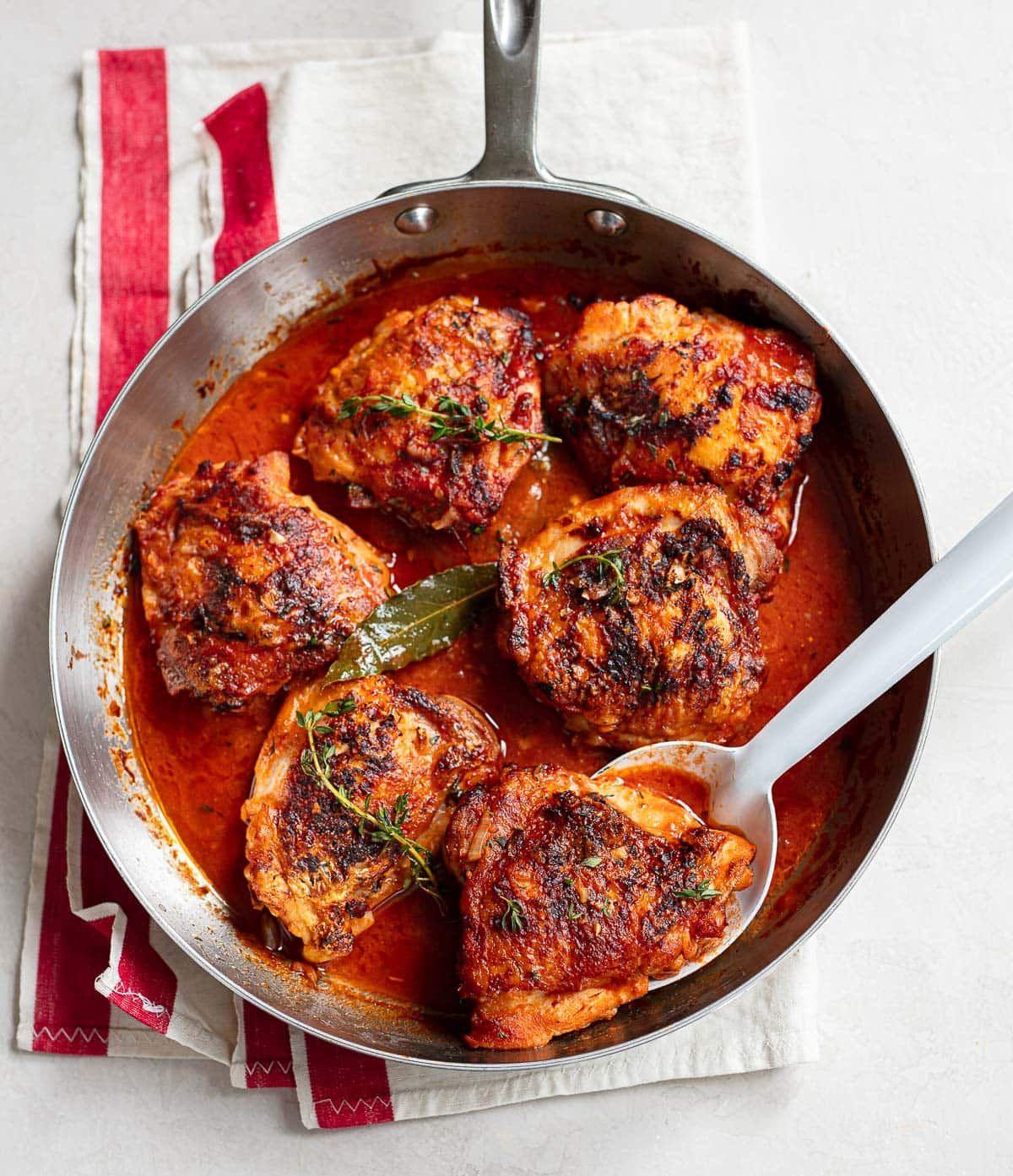 French Style Chicken In Red Wine Vinegar Sauce In 2020 Red Wine Vinegar Recipes Easy Chicken Dinner Recipes Red Wine Recipes Chicken