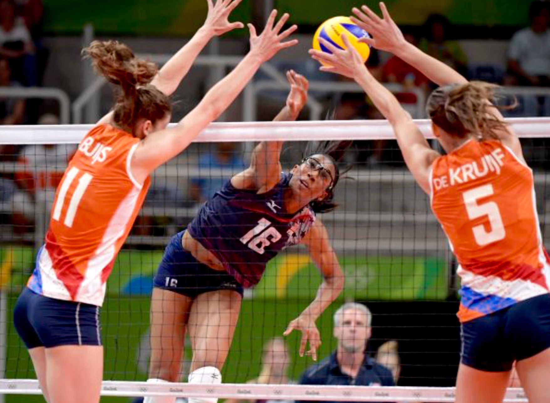 Pin By Raquel Regnier On Interesse Female Volleyball Players Summer Olympics 2016 Summer Olympic Games