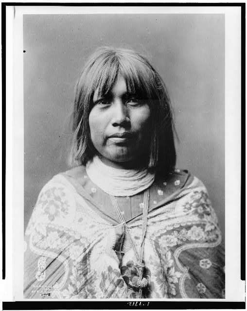 O Che Che, Mohave Indian woman, head-and-shoulders portrait, facing front