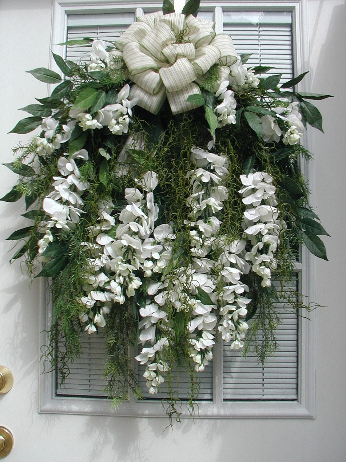 Spring Summer White Wisteria Lane Draping Curly Ferns Door Decor Wall Hanging Wreath