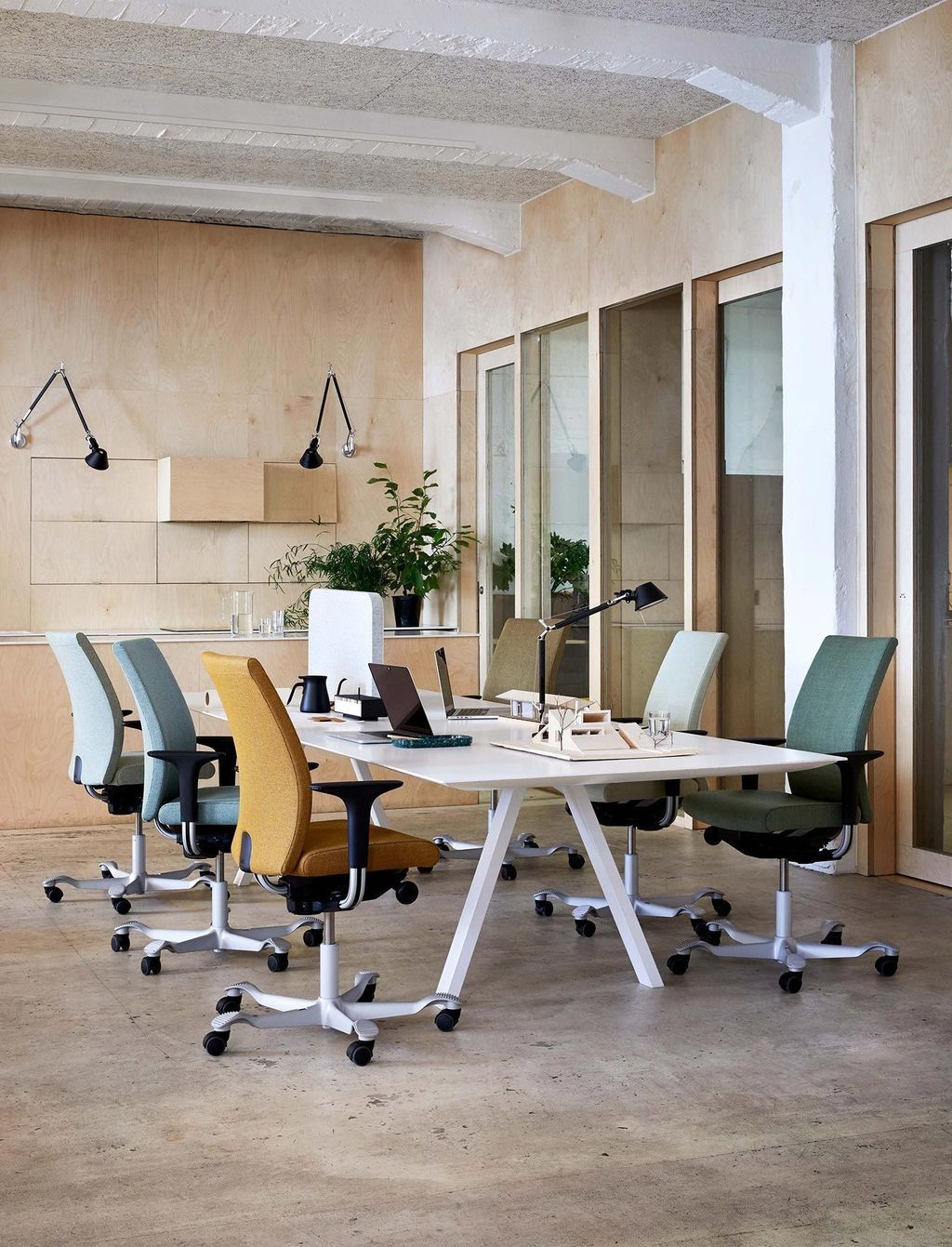 36 Awesome Scandinavian Home Office Design Ideas You Should Copy In 2020 Modern Office Space Office Space Design Modern Office Space Design