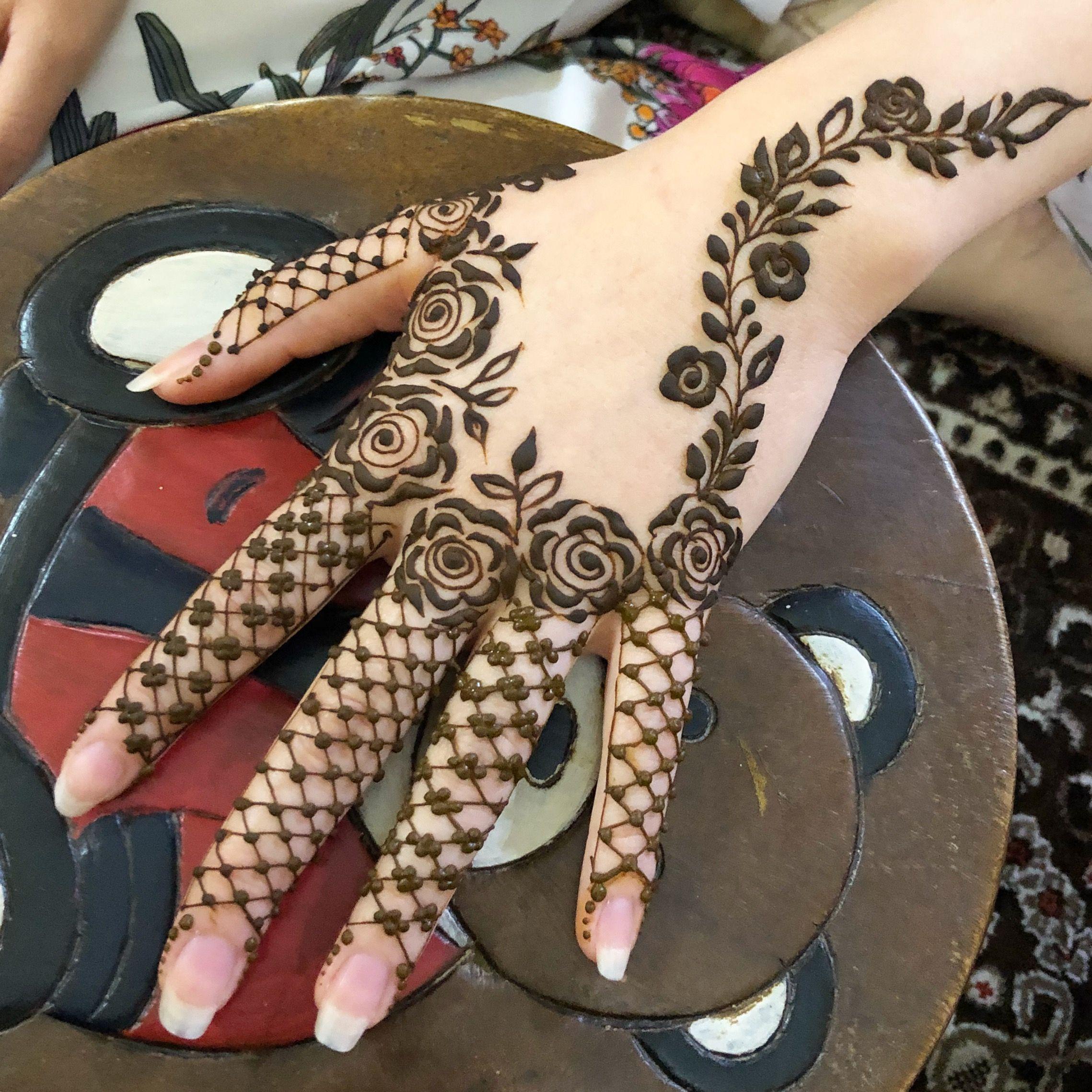 13 Unique Henna Designs Doing The Rounds This Wessing: #hennabymiraalwi Design By Henna_nurahshenna
