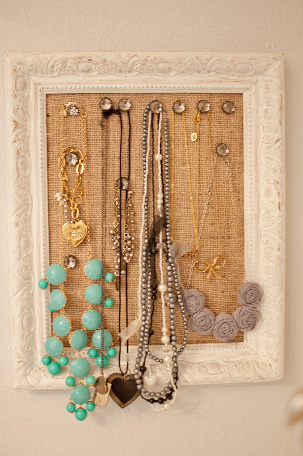 DIY Cork Board Jewelry Frame | Kettenhalter | Pinterest ...