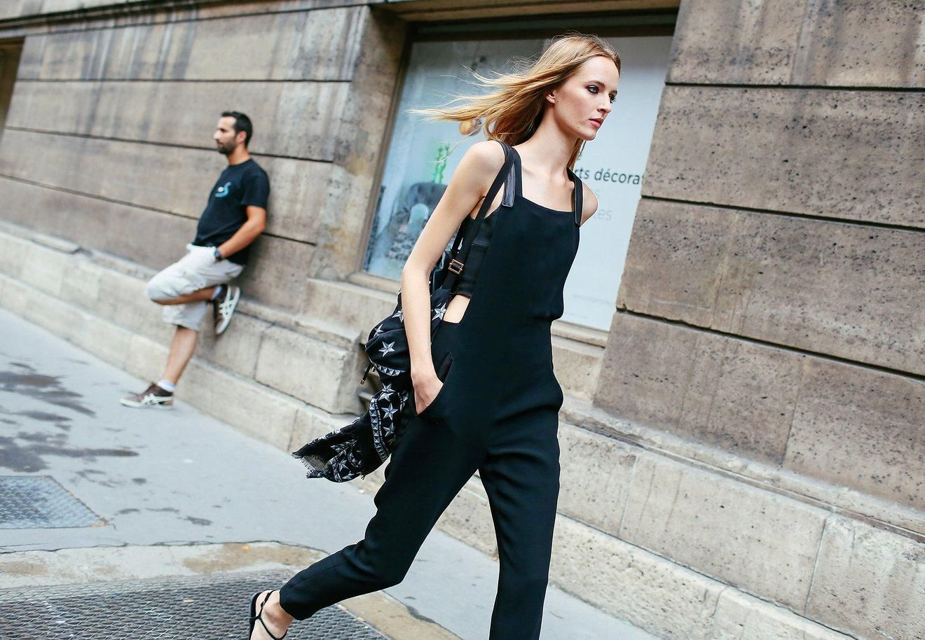 As for those bored of their bobs, take note: Swingy shoulder-length layers that grazed the collarbone suggested a fresh, feminine new length that's entirely attainable by fall