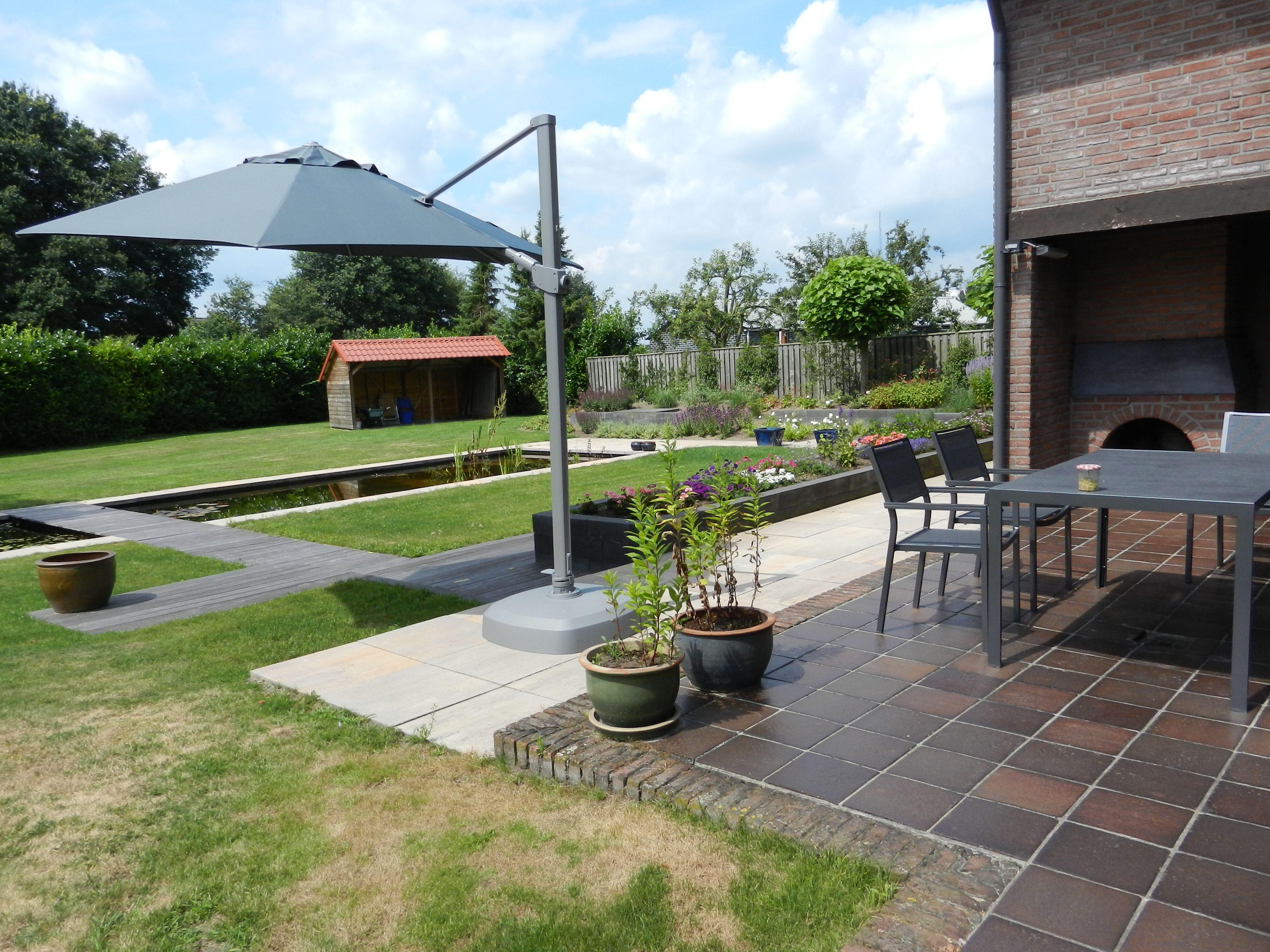 Zweefparasol met luxe uitstraling voor moderne tuin parasol inspiratie kees smit - Kees smit gartenmobel ...