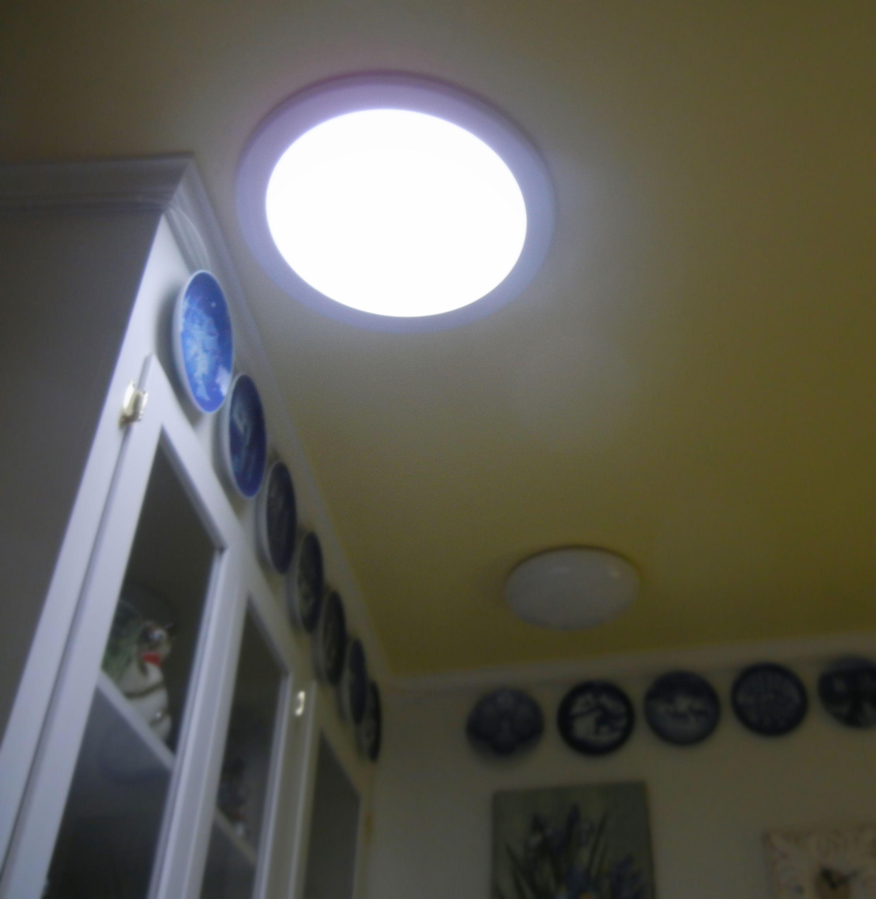Solar Tube Light In The Kitchen Image To Show Effect Of The Solar Tube Solar Tube Lighting Bright Kitchens Tube Light