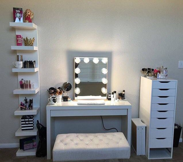Pin von Veronica Taylor auf Makeup Stations/Organizers | Pinterest ...
