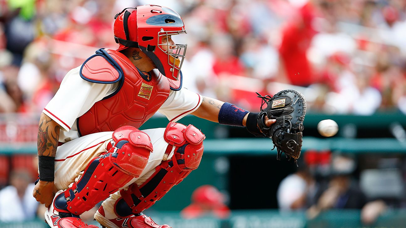 MLB rumors roundup: Cards' contingency plans for Yadier Molina