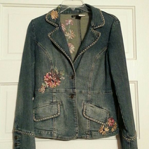 Jean jacket Cute flower embroidery on a vintage look jacket focus  Jackets & Coats Jean Jackets