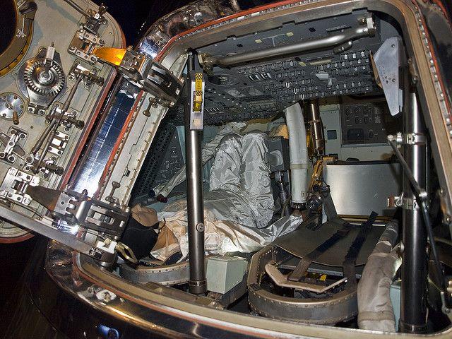 inside apollo space capsule - photo #7