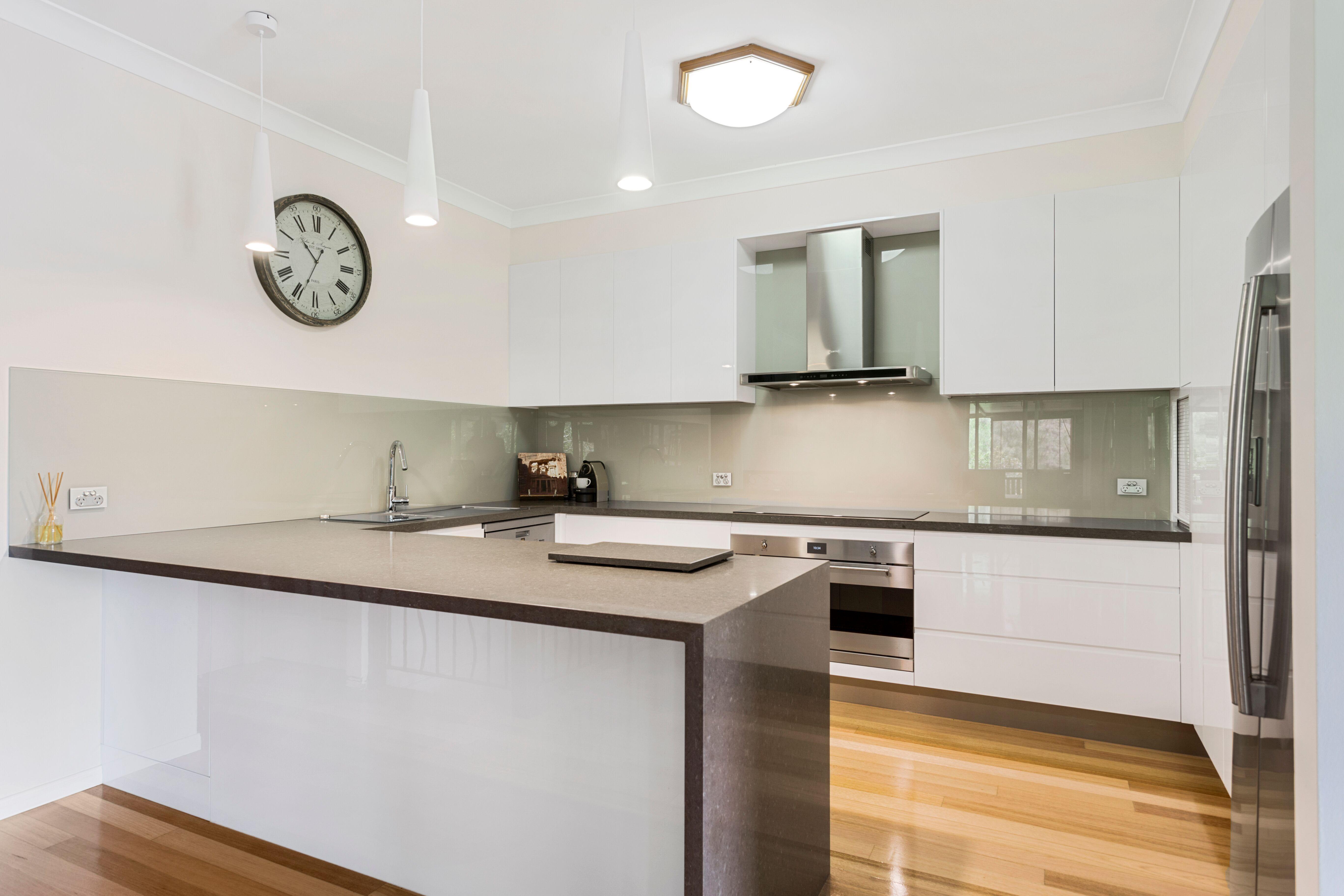2pak doors, draws & panels in 100% Gloss White ~ J mould handles ...
