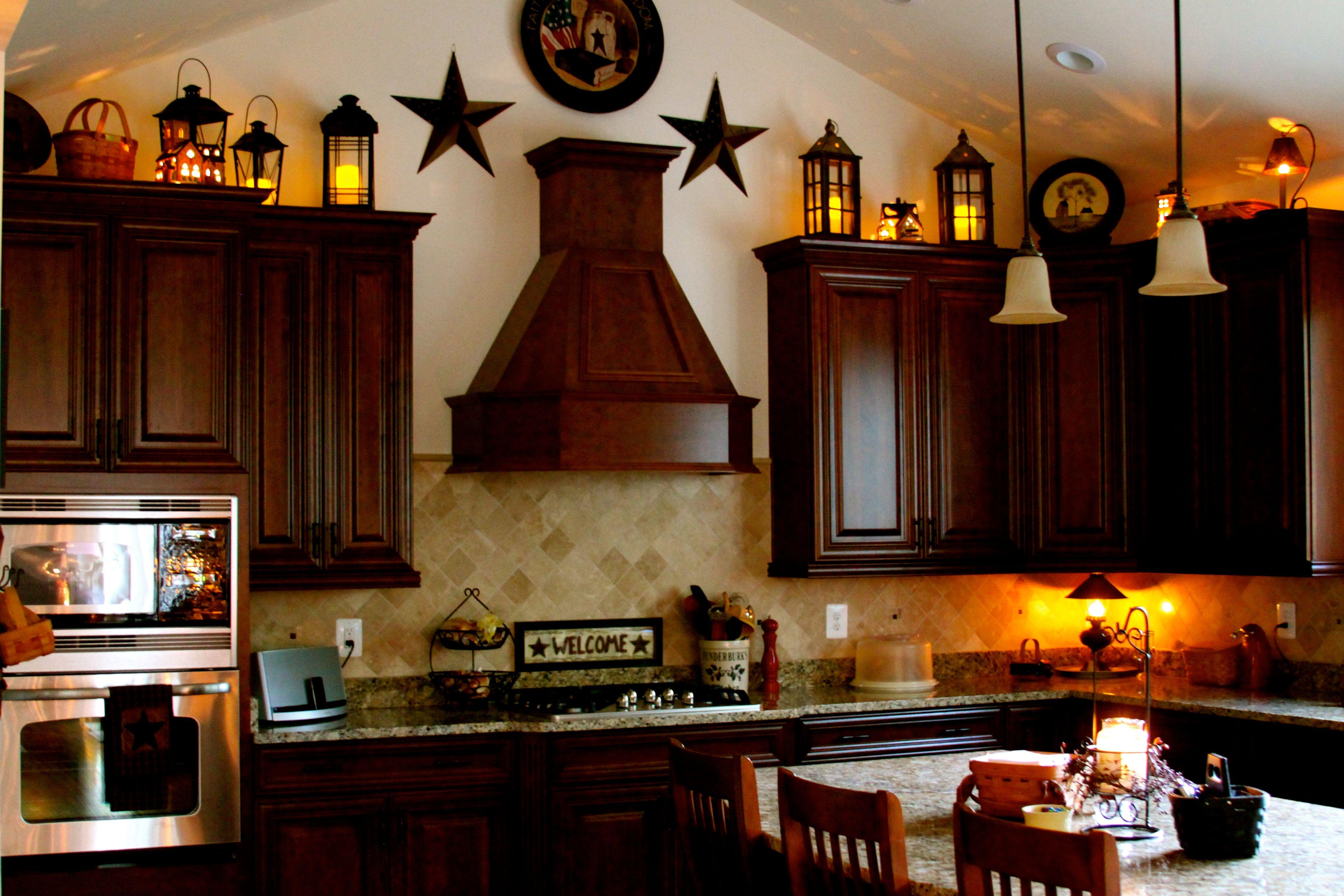 Above the cabinet decor...   Vintage kitchen decor ...