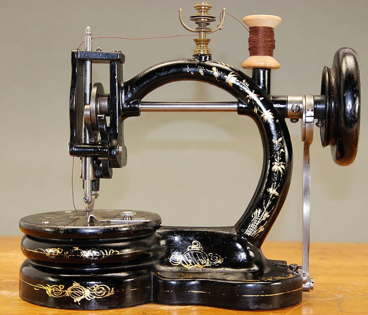 Древние швейные машинки картинки