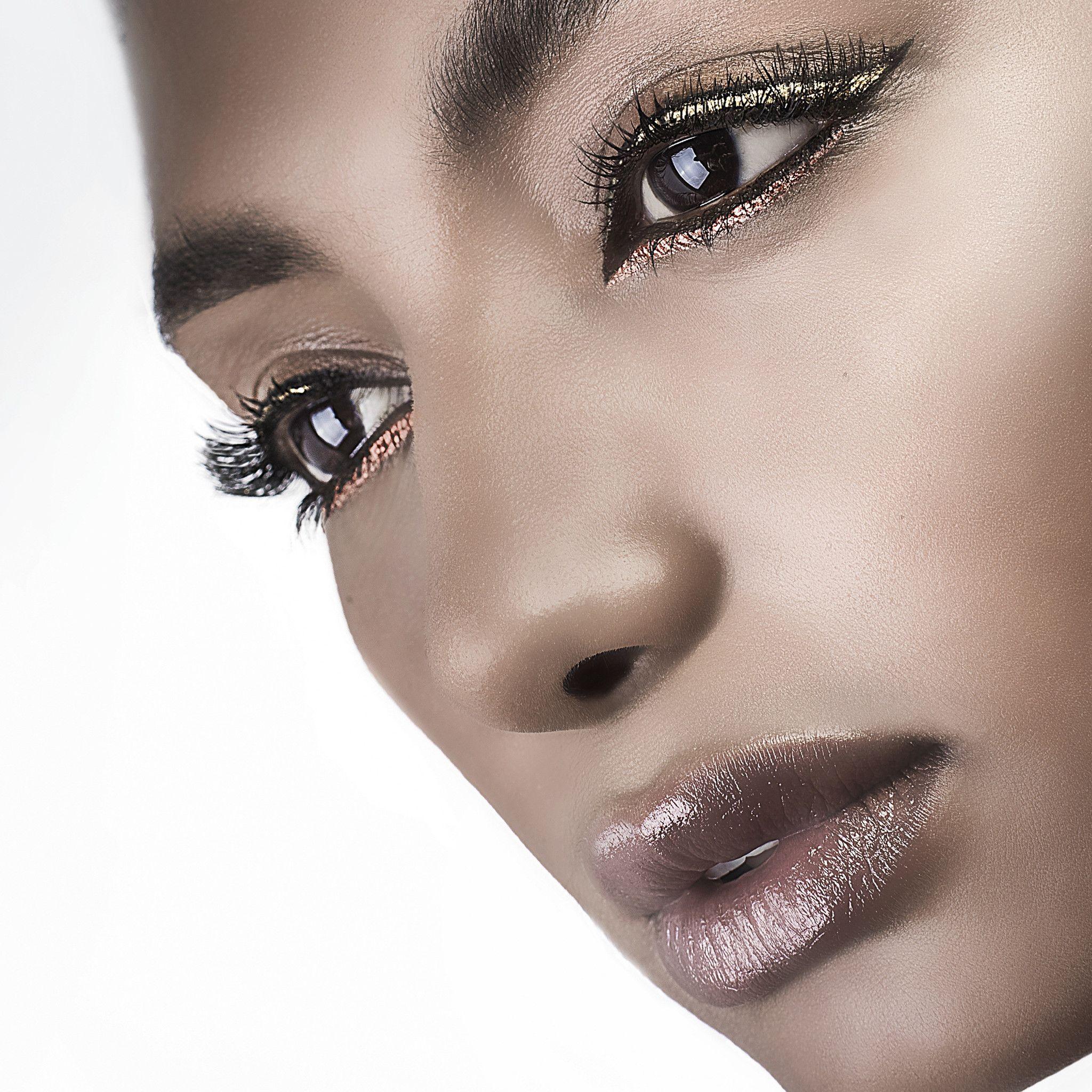 Copper Sphinx Metallic Liquid Eyeliner Metallic eyeliner