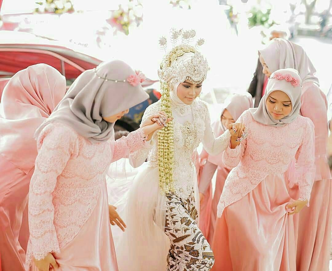 Pin by aisyah on muslim wedding hijab style dressesbridesmaid