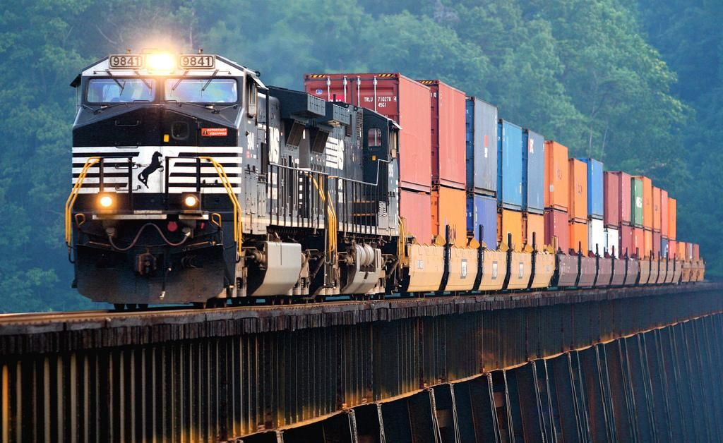 Global Logistics Media - Spectacular Freight Train Images