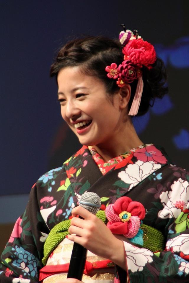 フォトレポート 吉高由里子さんの着物姿がまぶしかった ディー エヌ