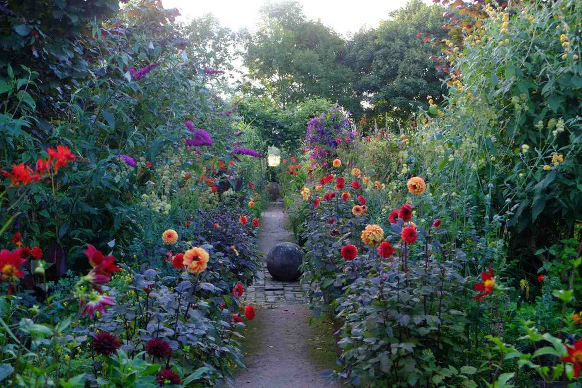 The Jewel Garden ❀ By Monty Don   Lu0027Assommoir
