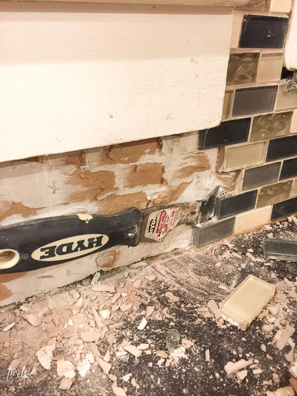 How to Remove Tile Backsplash Like a Pro!   Remove tile ...