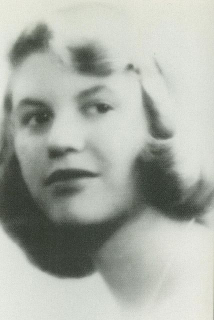 the broken heart of sylvia plath essay Sylvia plath 1932–1963 (also wrote under the pseudonym victoria lucas) american poet and novelist plath's poetry gives a vision of life as enhanced by death.