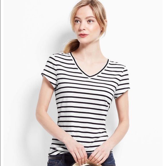 Ann Taylor v neck T-shirt Used but in perfect condition. Size M but runs small Ann Taylor Tops Tees - Short Sleeve