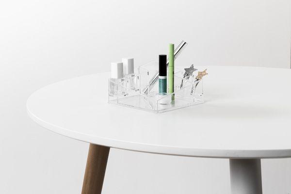 Organisateur de maquillage transparent