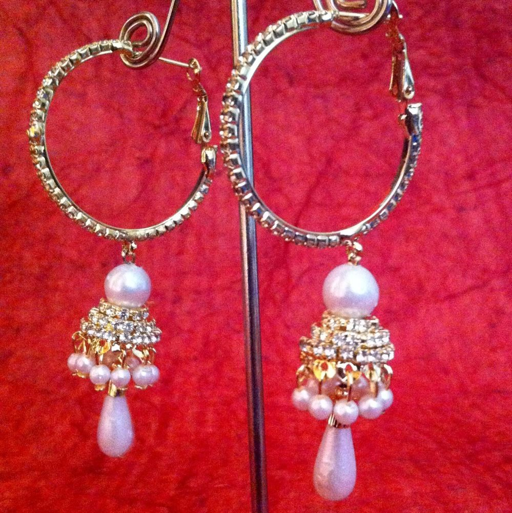 Glowing Pearl Bali With A Glowing Ad Stones Jhumki Indian Hoop Earring O52