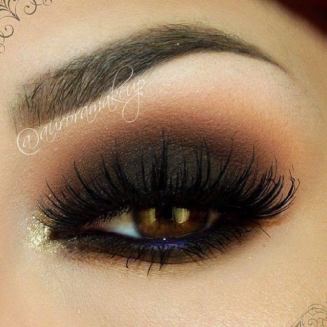 Beautiful smokey using our Jumbo Eye Pencil in 'Dark Brown' makes us want to
