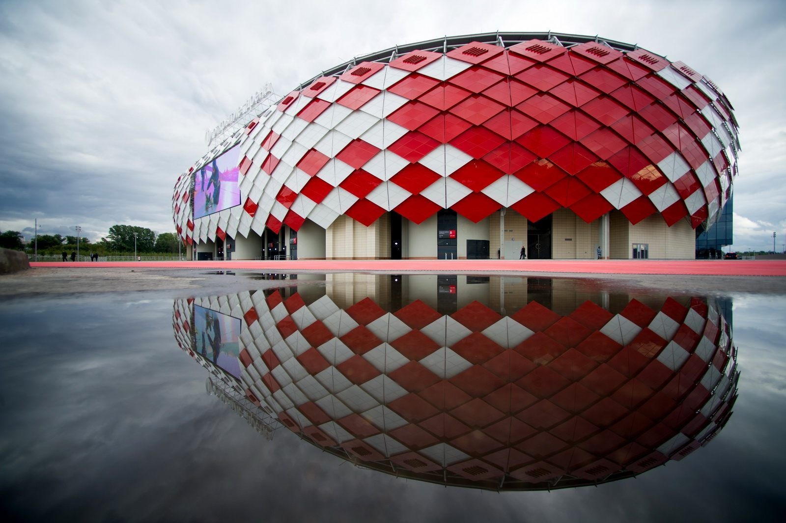 Otkritie Arena Capacity 45 000 5,630 + 48