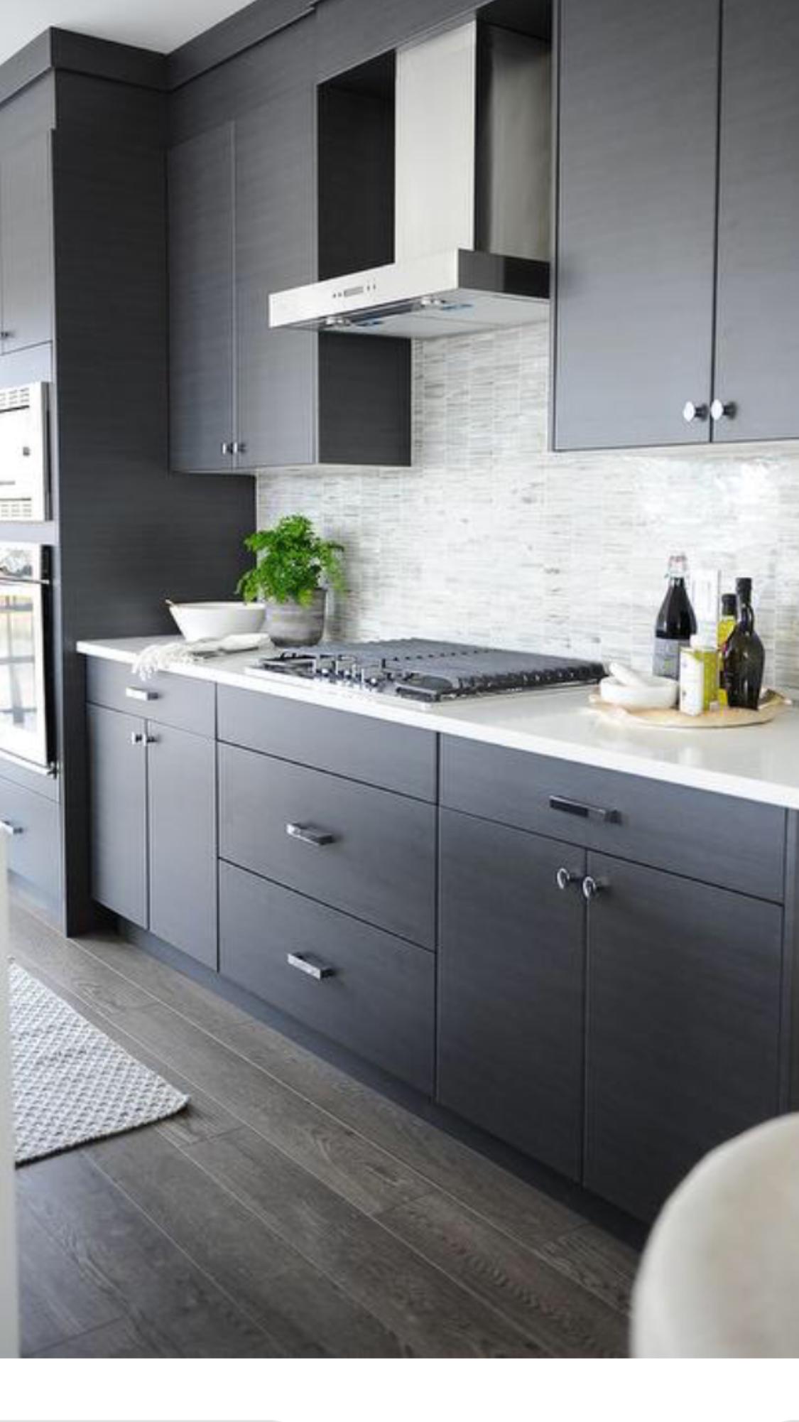 I M Really Liking The Gray Cocinas De Casa Diseno Cocinas Modernas Muebles De Cocinas Pequenas