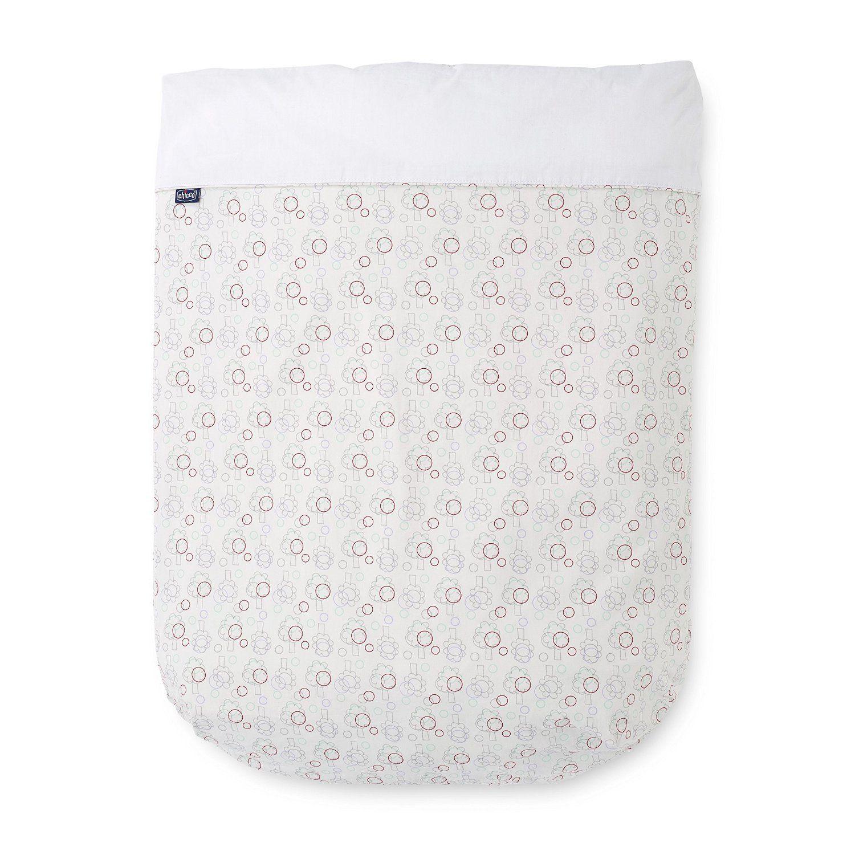 Chicco propose une parure de lit composée d'une taie d'oreiller, d'un #drap housse, d'une #couette et d'une housse de couette.  La housse de couette, le drap et la taie sont 100% coton. #paruredelit #nature