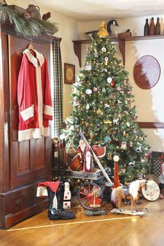 Image Result For Colonial Stone Farmhouse Christmas