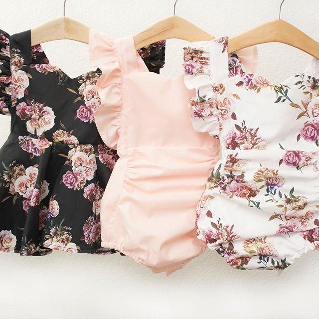 Sommerkollektion ist ab sofort erhältlich Badeanzüge, Trikots, Strampler und Kleider. Whi ...   - ■...