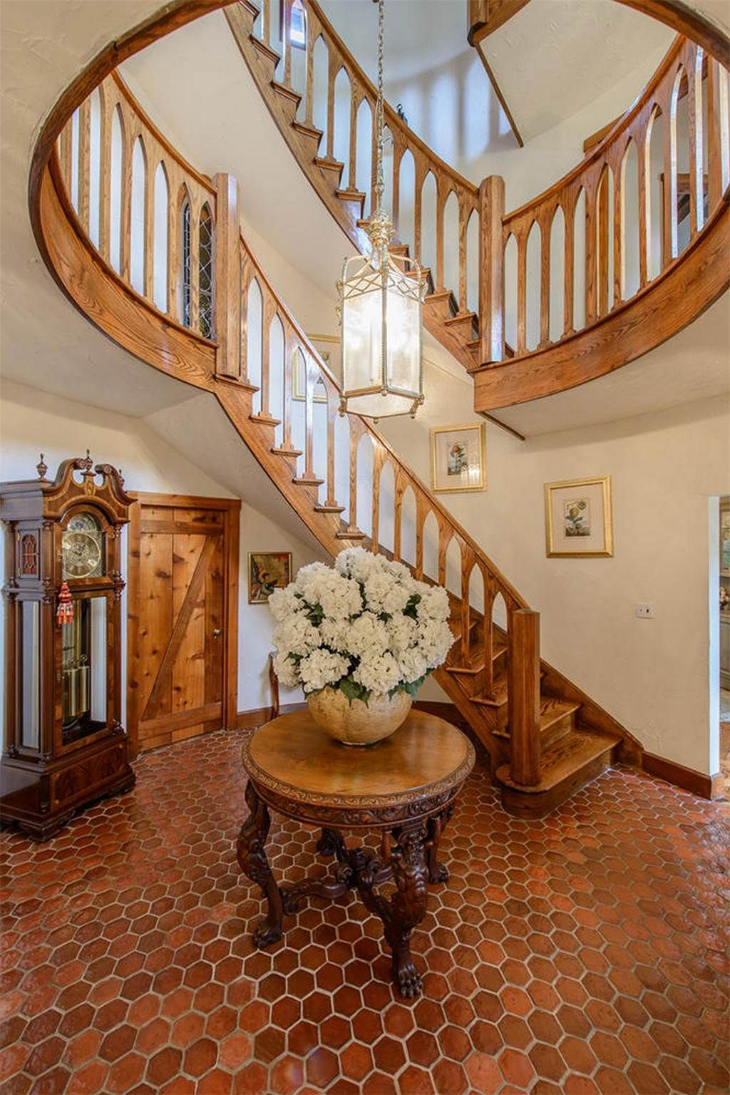 Property Of Sunstar Hill Spiral Curvy Or Straight On Staircases - Curvy-spiral-house-design