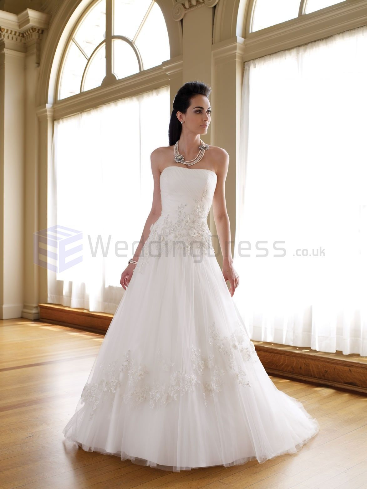A-LINE GOWN ORGANZA FINELY RUCHED BODICE SOFTLY CURVED NECKLINE CHAPEL LENGTH TRAIN WEDDING DRESSES (MB111210)