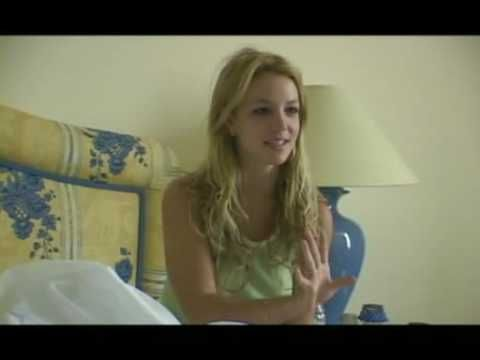 Britney Spears wakes up