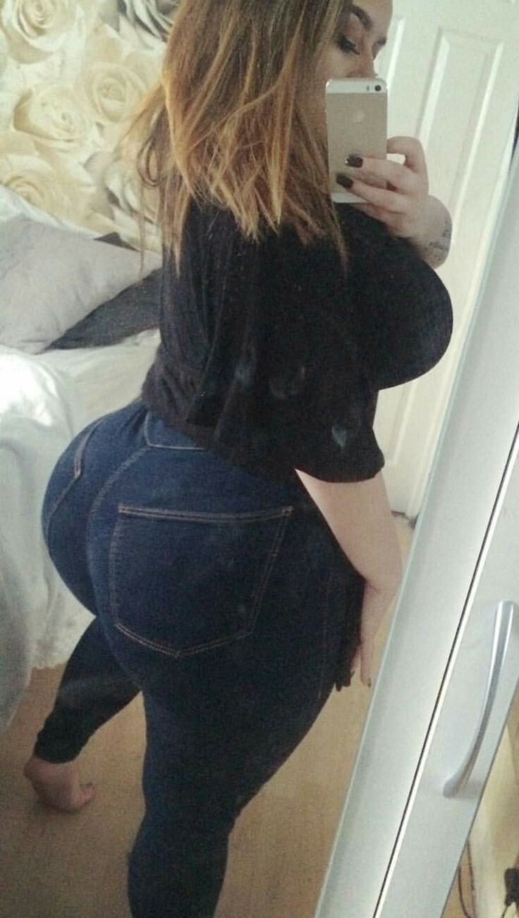 Thick Big Tit White Girl
