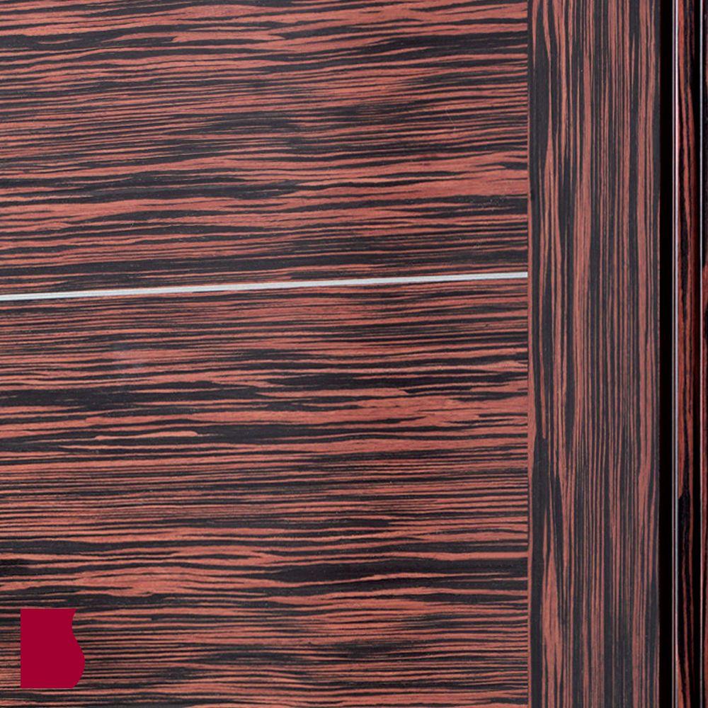 DETALLE Modelo L84 ÉBANO GRECA PLATA MADERA OSCURA / Colección Lisa / Puertas de interior Sanrafael