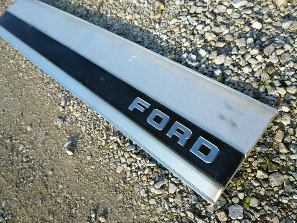 1987 1988 1989 1990 1991 1992 1993 1994 1995 1996 Ford F150 F250 F350 Bronco Tail Gate Tailgate Door Trim Molding Panel Ford Fo Ford F150 F150 1996 Ford F150